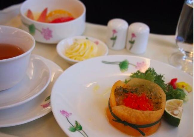 エバー航空 ビジネスクラス プレミアムローレルクラス 機内食
